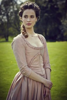 Heida Reed as Elizabeth Poldark